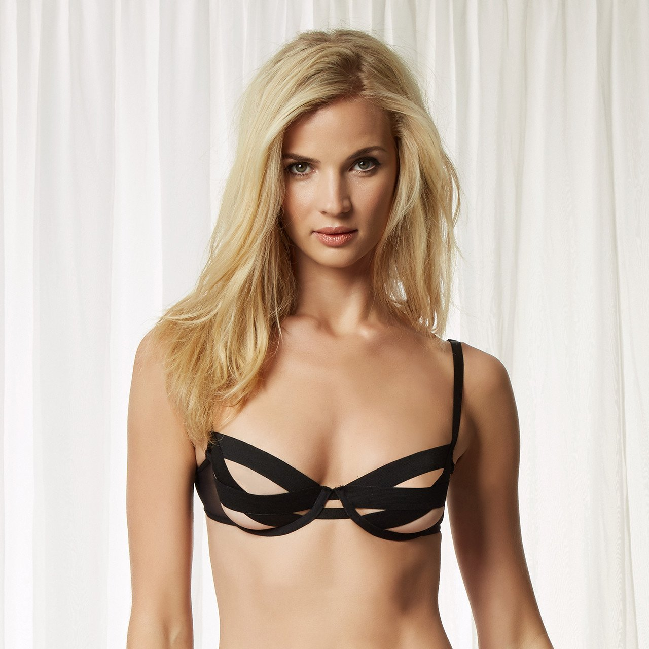 Details about  /Bluebella More Hecate Bra Black Size 36DD Underwired Balcony Satin Lace 40782